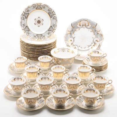 Early Victorian Ridgway Porcelain Dinnerware with Gilt Details, Circa 1850s
