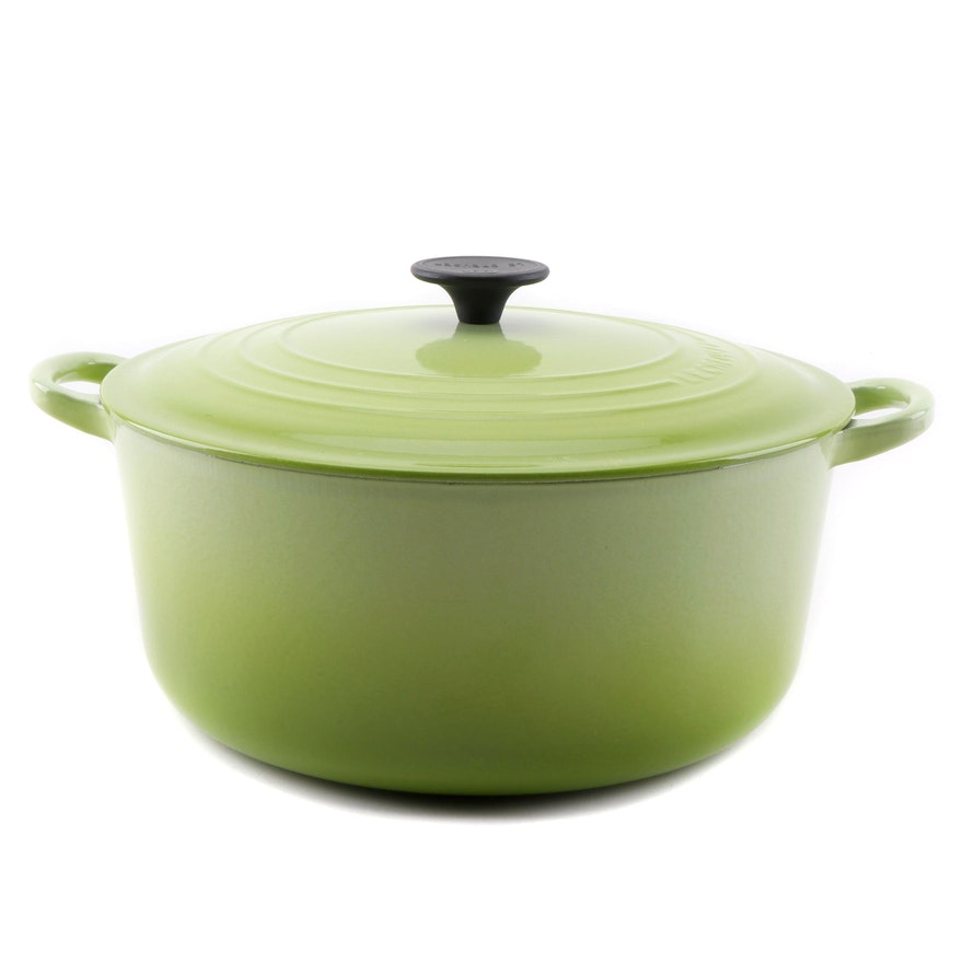 Le Creuset Signature Lime Green 7 1/4 Quart Round Dutch Oven, Late 20th Century