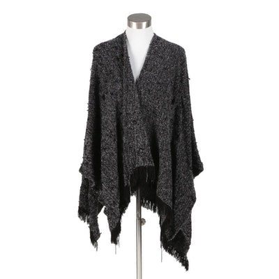 Boyne Valley Weavers of Ireland Handcrafted Black and Gray Chevron Knit Wrap