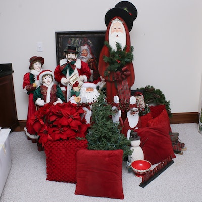 Large-Scale Contemporary Christmas Decor Featuring 9' Artificial Tree