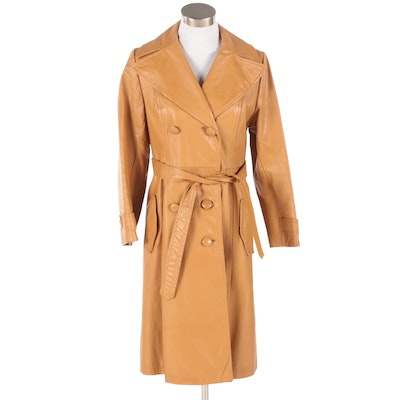 Women's Double-Breasted Caramel Leather Fitted Coat, 1970s Vintage