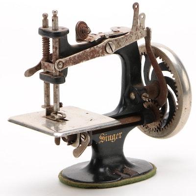 Singer Model 20 Hand Crank Sewing Machine for Children, Circa 1930
