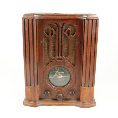 Zenith 4V31 Wooden Tombstone Tabletop Farm Radio, 1936