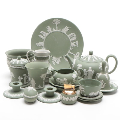 "Wedgwood ""Collectors Society"" Jasperware Dinner, Serveware and Table Accessories"