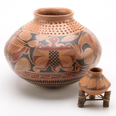 Daniel Gonzalez Mata Ortiz Pottery Vessel and other Mexican Pottery Vase