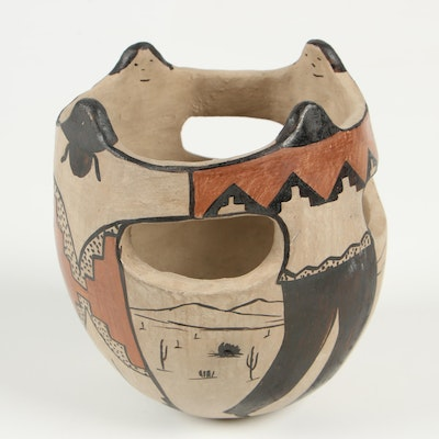Angea Family Tohono O'Odham Friendship Pot