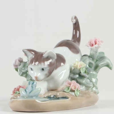 "Lladró ""Kitty Confrontation"" Porcelain Figurine Designed by Juan Huerta"