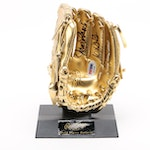 Johnny Bench Signed Mini Rawlings Gold Glove  COA