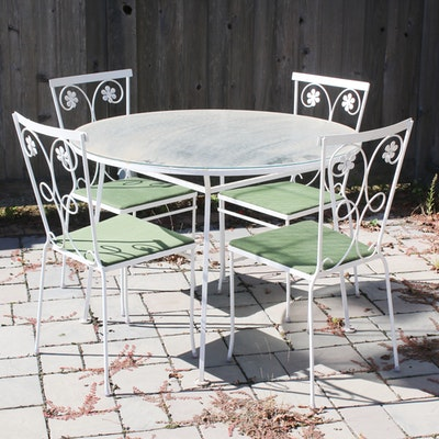 White Painted Metal Iron Patio Table and Chairs, Mid to Late 20th Century