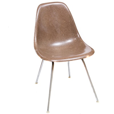 Charles and Ray Eames for Herman Miller Mid Century Modern Fiberglass Chair