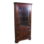 Early American Style Mahogany Finish Corner Cabinet, Mid to Late 20th Century