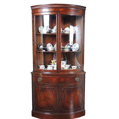 Morganton Bowed Glass Corner Cabinet, Mid-to-Late 20th Century