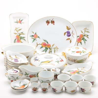 "Royal Worcester ""Evesham Gold"" Serveware and Bakeware Pieces"