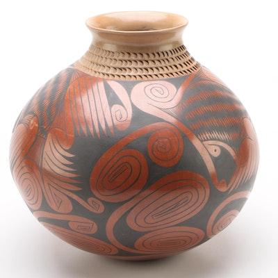Gloria Hernandez Mata Ortiz Pottery Vase