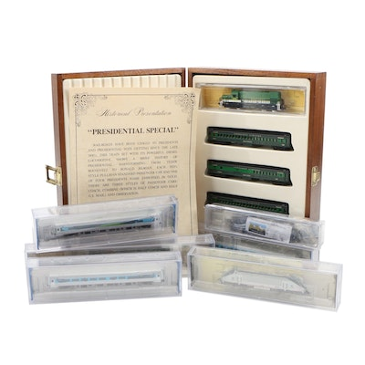"""N Scale Model Power """"Presidential Special"""" Train with Bachmann Amtrak Cars"""