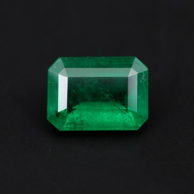 Loose 2.65 CT Emerald Gemstone With GIA Report