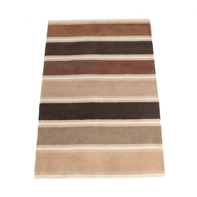 """5'1 x 7'8 Hand-Tufted Indian Home Accents """"Dusk"""" Wool Area Rug"""