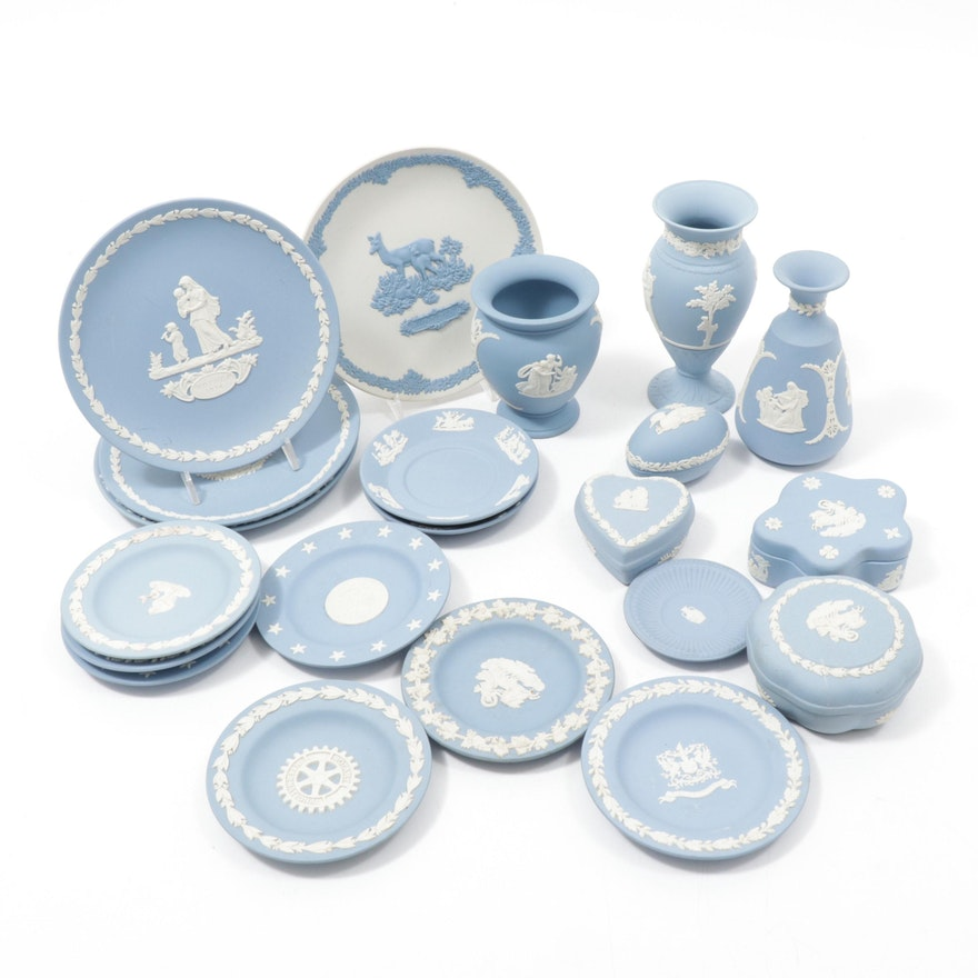 Wedgwood Jasperware Vases and Plates, 1970s