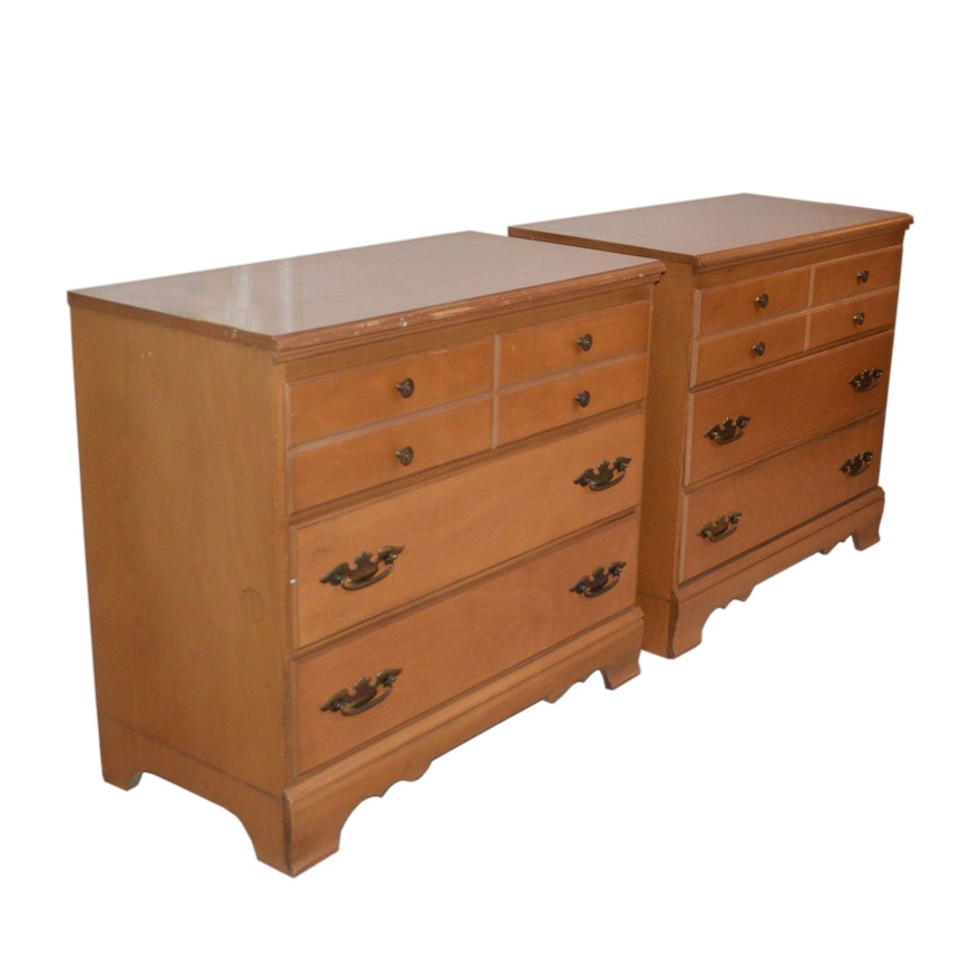 Pair of Federal Style Chest of Drawers, 20th Century