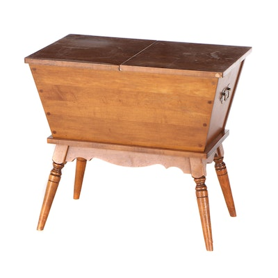 Tell City Chair Co., Federal Style Maple Dough Box Side Table