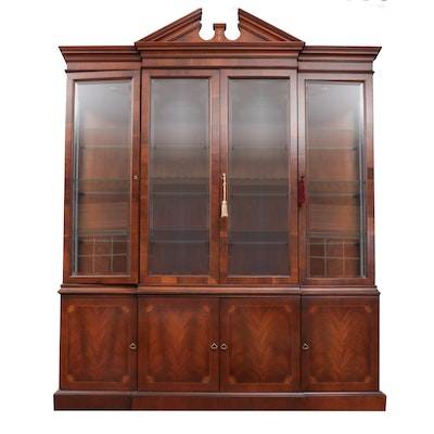 Hekman, Federal Style Mahogany and Marquetry Breakfront China Cabinet