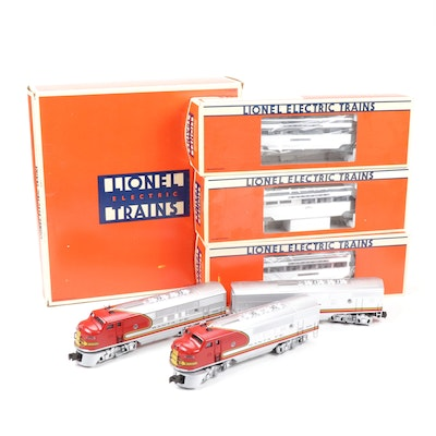 Lionel O Scale Santa Fe Diesel Locomotive and Passenger Set