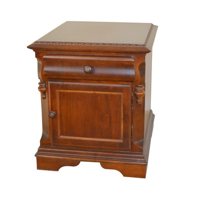 Broyhill End Table with Rear Magazine Holder, Late 20th Century