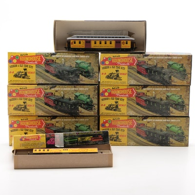 Roundhouse HO Scale Model Train Cars in Original Packaging, Vintage