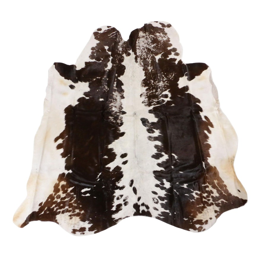 4'9 x 4'11 Cowhide Accent Rug