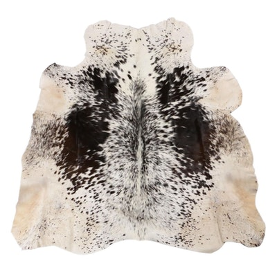 4'3 x 4'5 Cowhide Accent Rug