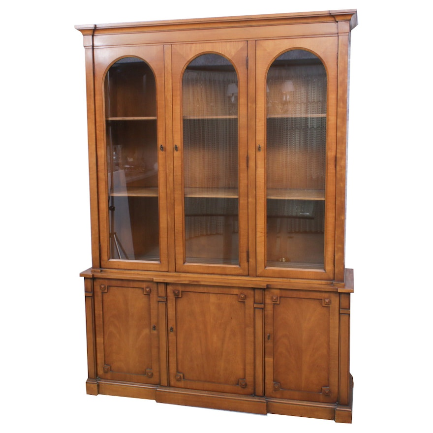 Drexel-Heritage Maple Finished China Cabinet, Mid-20th Century