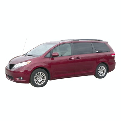 2013 Toyota Sienna XLE Minivan with Automatic Wheelchair Lift
