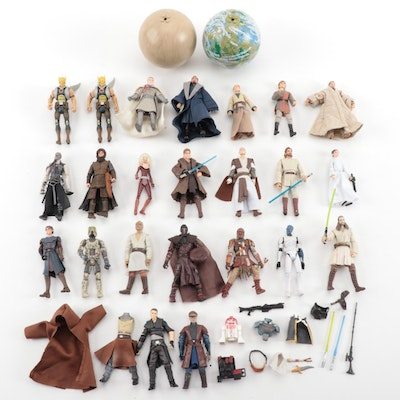 "Hasbro ""Star Wars"" Loose Action Figures with Accessories, Late 20th-21st Century"
