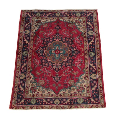 4'5 x 5'9 Hand-Knotted Persian Mashhad Wool Rug