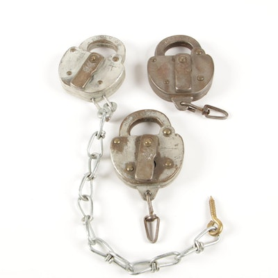 "Reading Railroad ""RDGCO"" Lock and Chain Set by Slaymaker, 20th Century"