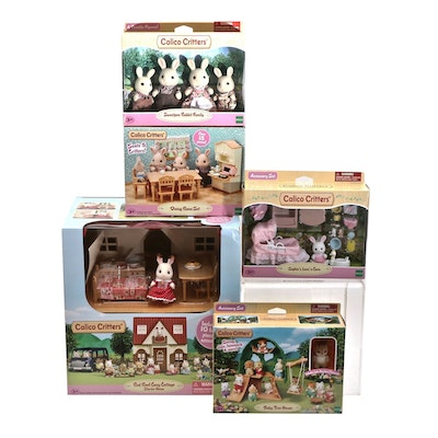 Calico Critters Starter Home with Furniture, Figurines and Accessories