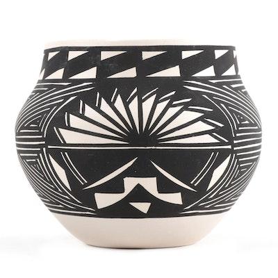 Hilda Antonia Acoma Pueblo Pottery Vase
