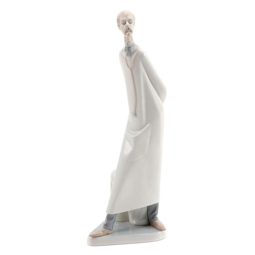 "Lladró ""Doctor"" Porcelain Figurine Designed by Salvador Furió, Late 20th Century"