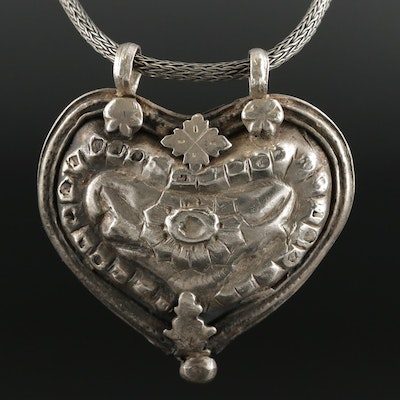Artisan 800 Silver Heart and Flower Motif Pendant Necklace