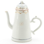 Chinese Export Porcelain Coffee Pot with Peach Finial, 1780-1805