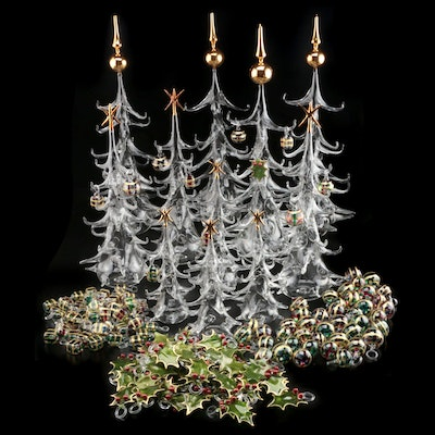 Parise Italian Hand Blown Glass Christmas Trees with Ivy and Berry Ornaments