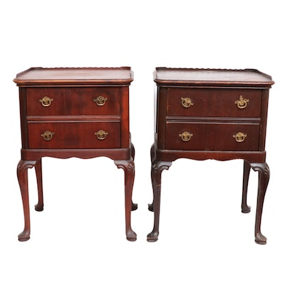 Pair of Queen Anne Mahogany Lowboy-Form Side Tables, Mid-20th C.