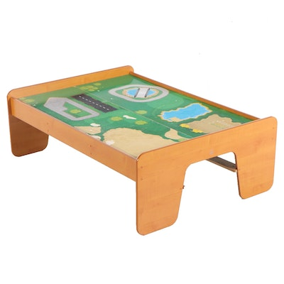 Grained Veneer 2-Panel Child's Play Table