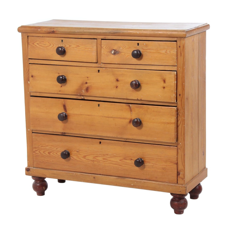Early American Style Pine Wood Chest of Drawers, 20th Century
