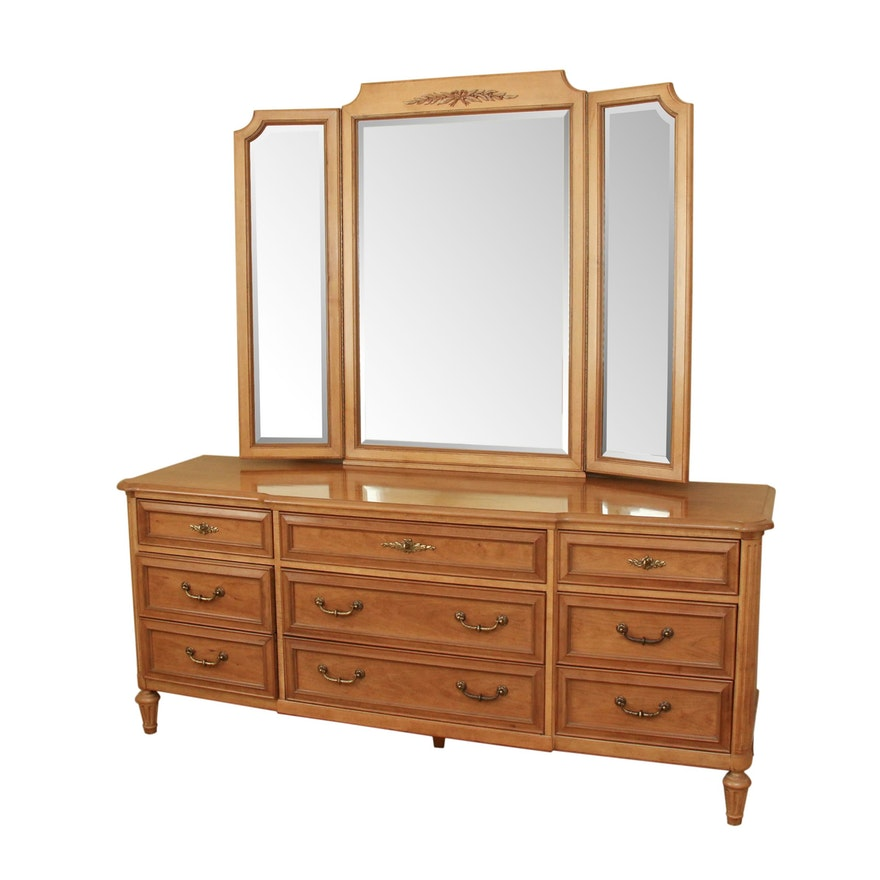 White Fine Furniture Nine-Drawer Dresser