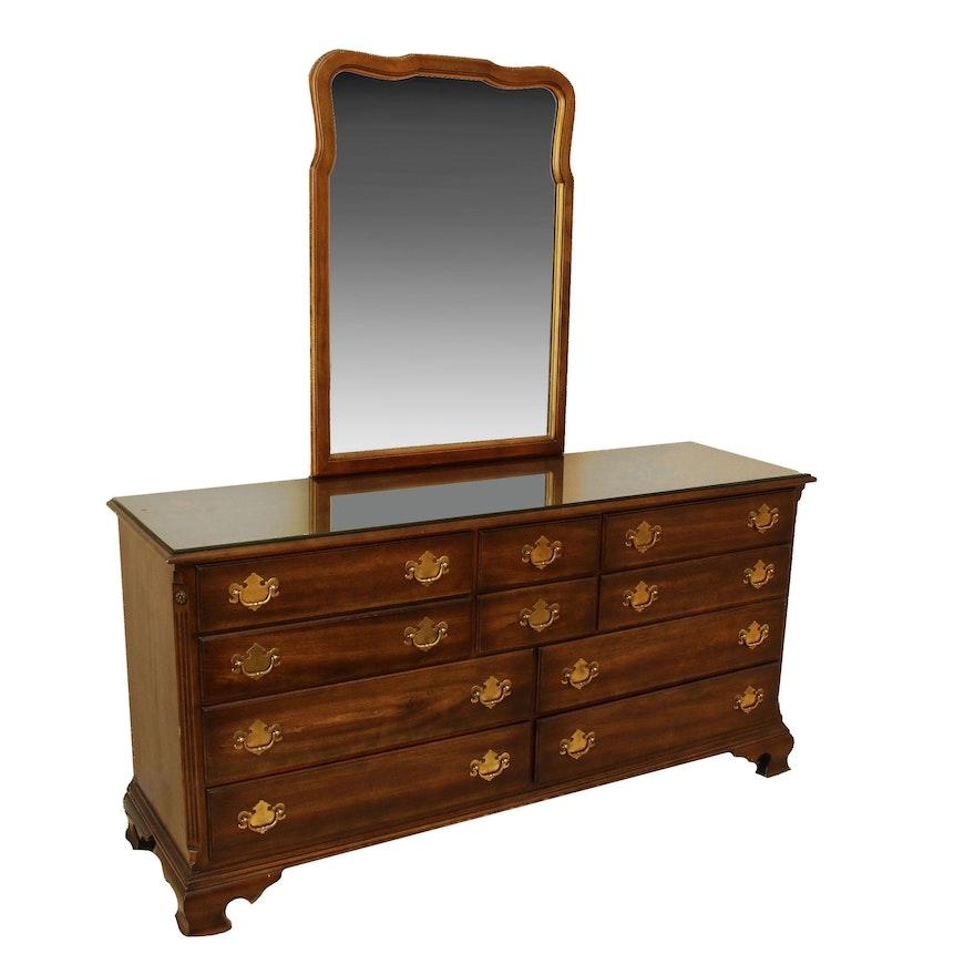 Statton Trutype Americana Ten-Drawer Wooden Dresser with Mirror
