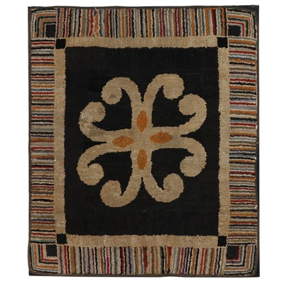 American Folk Art Hooked Rug Wall Hanging, Early 20th Century