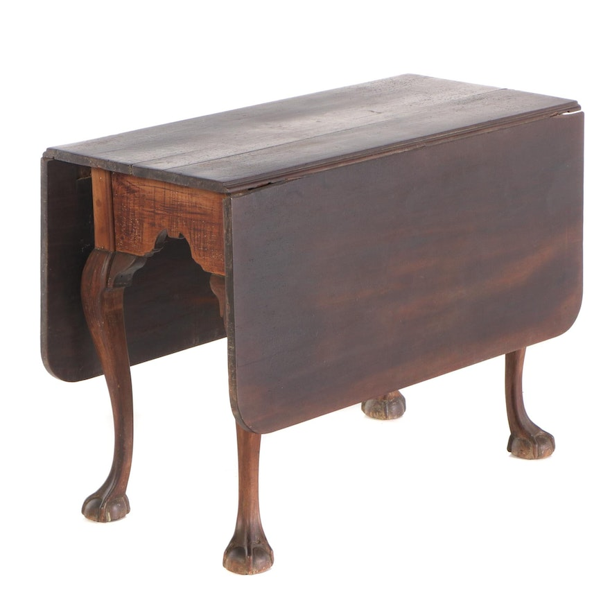 American Chippendale Walnut Drop-Leaf Table, Late 18th Century