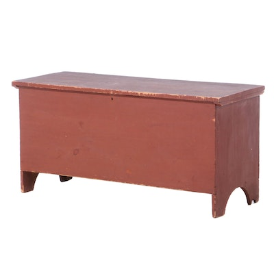 American Primitive Pine Blanket Chest in Red Wash, Mid-19th Century