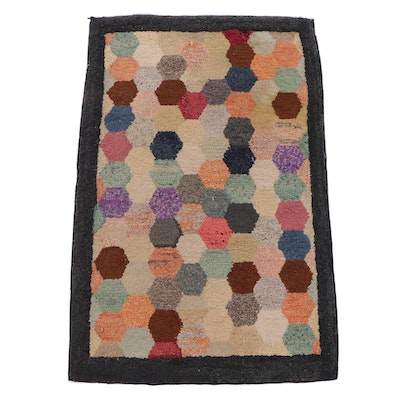 2'2 x 3'4 American Hand-Hooked Cotton Accent Rug